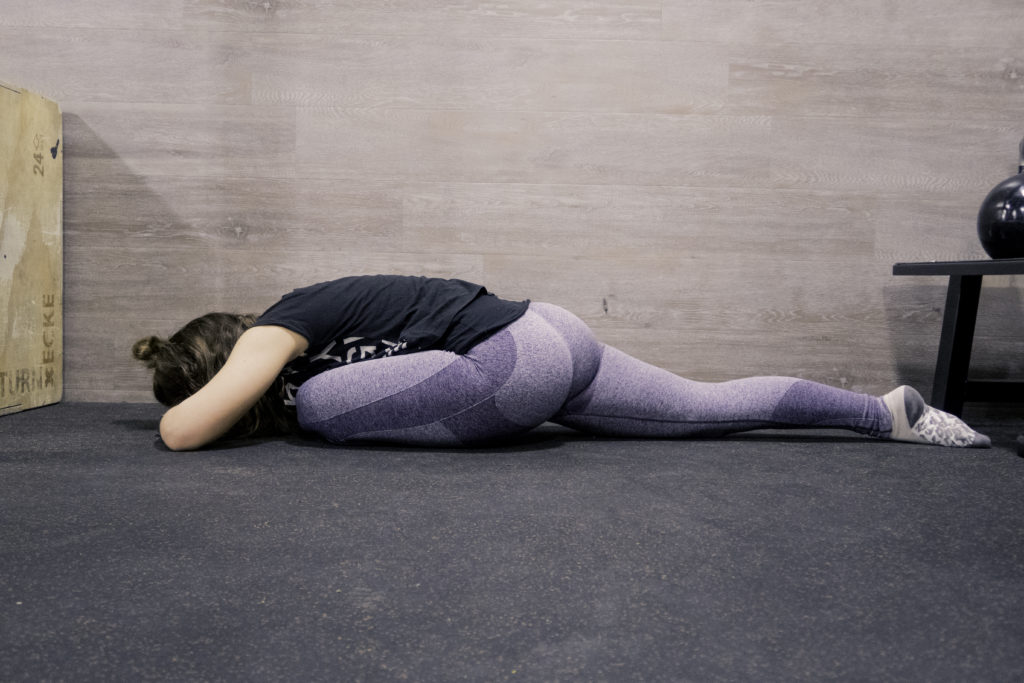 Stretching Routine für die Beine, Dehnung der Pomuskulatur Dehnung des Gluteus,