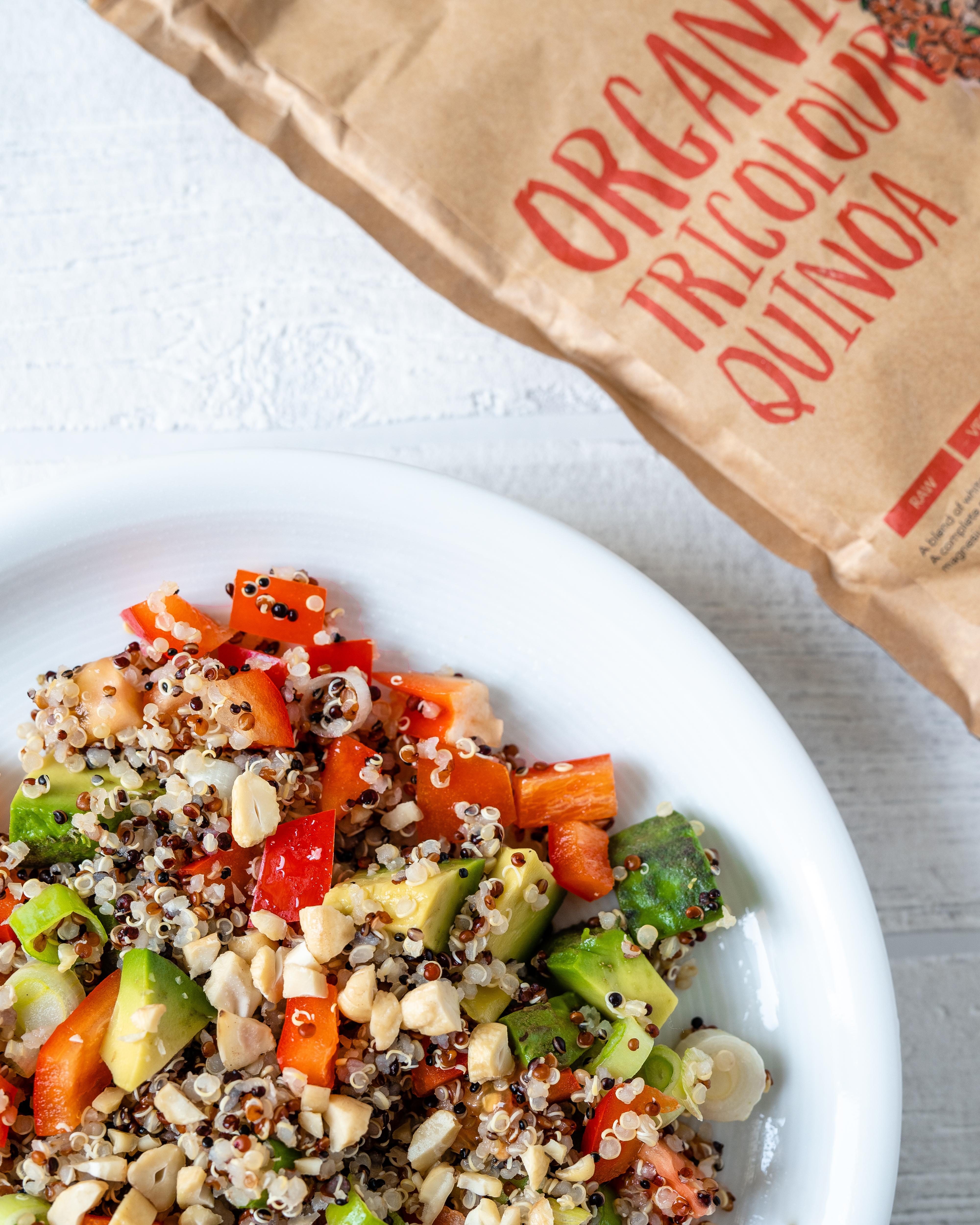 Veganer Quinoa-Salat Prozis dreifarbiger Quinoa